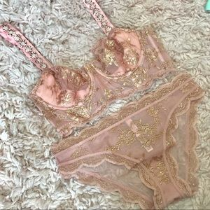 Victoria's Secret Dream Angels Beaded FoilLace Set